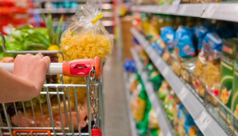 Resultado de imagem para compras em supermercado